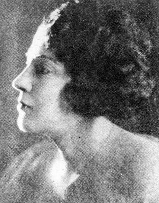 Marika Papagika One of the first generation of Greek women singers to be heard on sound recordings, Marika Papagika born  Kos on September 1, 1890.  Her family moved to Egypt, probably Alexandria, when she was young. Around 1915 she emigrated to the USA   Marika's versatile repertory included folksongs, 'light', European-style songs, but she became a noted exponent of the Smyrnaic style of the rebetiko  died in New York in 1943