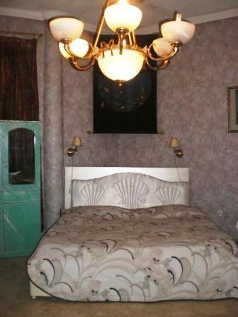 Standar room bed