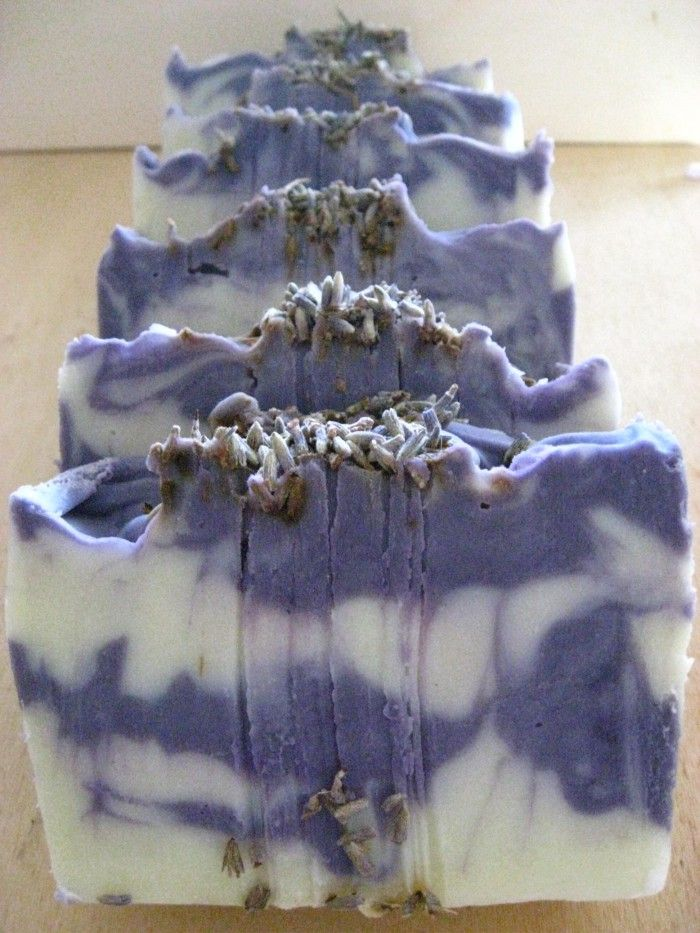 Zelfgemaakte zeep, lavendelgeur, ZEEPJE VOOR JOU.