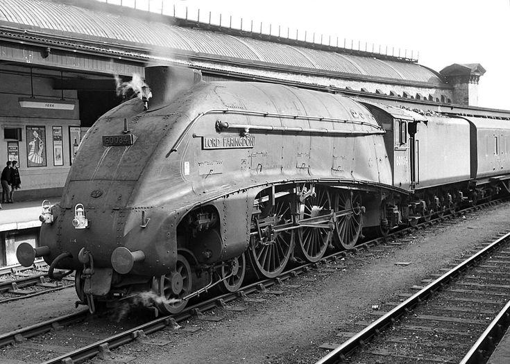 A4 Steam Locomotives | Class A4 no.60034 'Lord Faringdon'. York ...