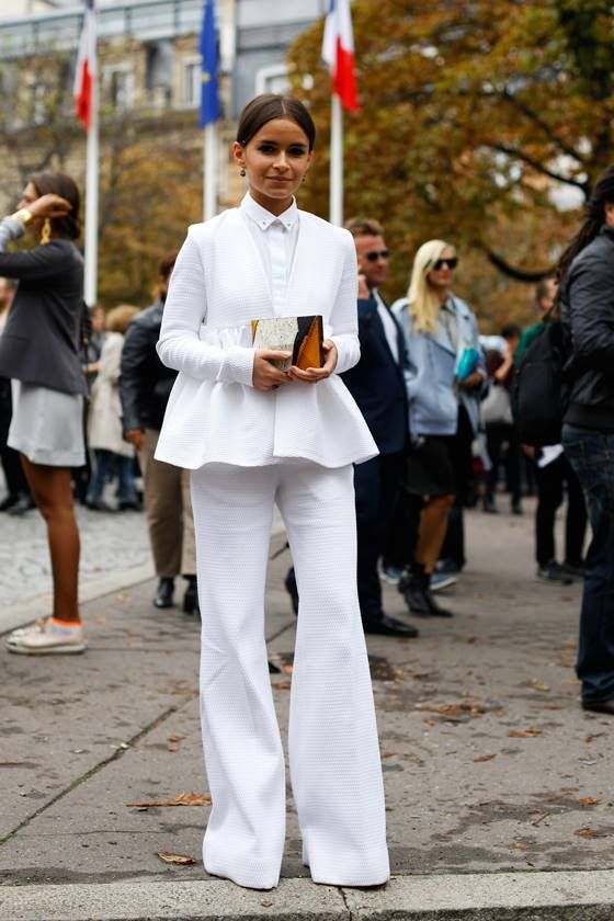 This eternally well dressed, pint sized Russian is always on our street style radar. Miroslava Duma from Buro 247 shows us how to rock the white on white look. Photo: La Vida de Serendipity