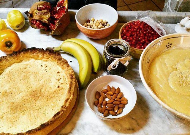 Work in progress... crostata di compleanno per il babbo.. #cake #cakedesign #torte #dolci #cucina #pasticceria #crema #cremapasticcera #pasticceria #homemade #homemadefood #food #foodblog #foodstagram #cream #instarestaurant #instafood #foodblogger #delicious #tasty #tastyfood  Yummery - best recipes. Follow Us! #tastyfood