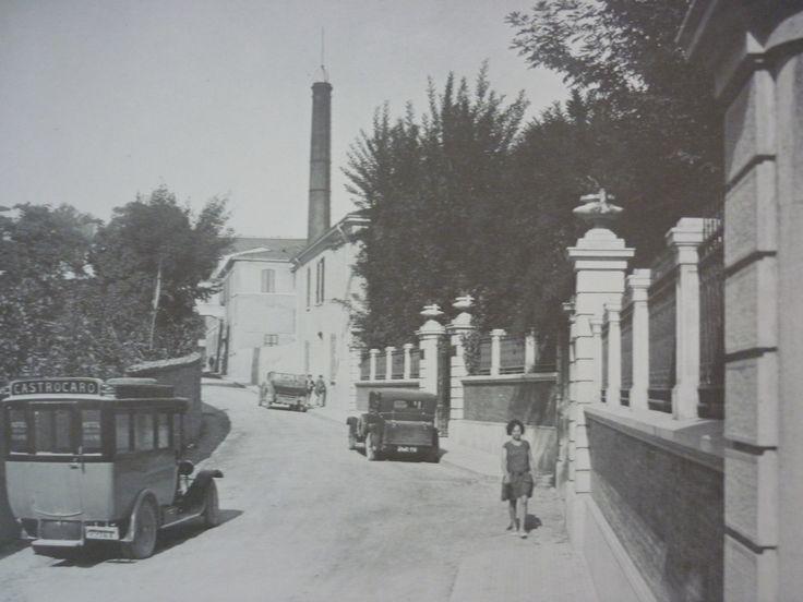 """Ingresso al Parco dello Stabilimento Termale """"Aristide Conti"""" fino al 1938. #CastrocaroTerme #castrocarocolorseppia"""
