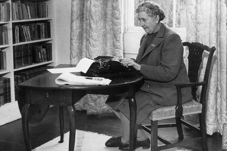 Quase quatro décadas depois de sua morte, a escritora inglesa continua conquistando novas gerações de leitores. Confira a seguir uma lista com as obras essenciais da Rainha do Crime