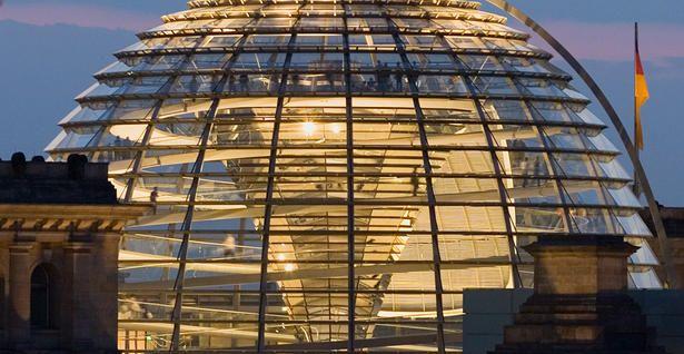 Reichstag - Parlament und Spiegelbild deutscher Geschichte.
