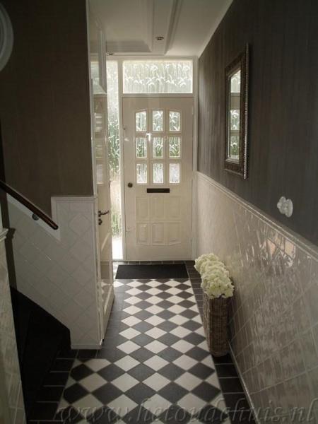 Meer dan 1000 idee n over lambrisering badkamer op pinterest kraal boord badkamer - Gang met trap ...