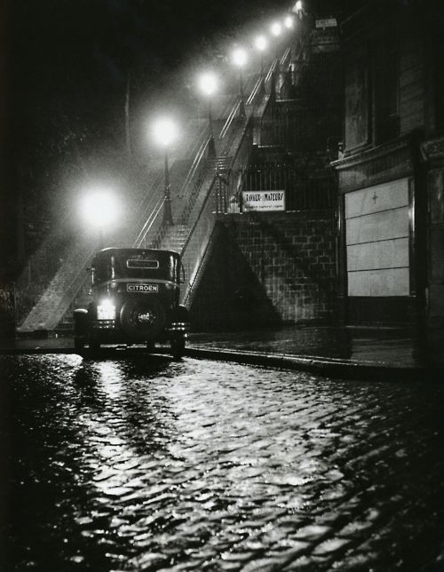 Rue Muller, Paris  • Willy Ronis
