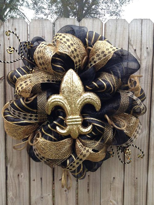 mesh wreaths for summer | Wreath for New Orleans Saints Fans Trendy Tree Blog