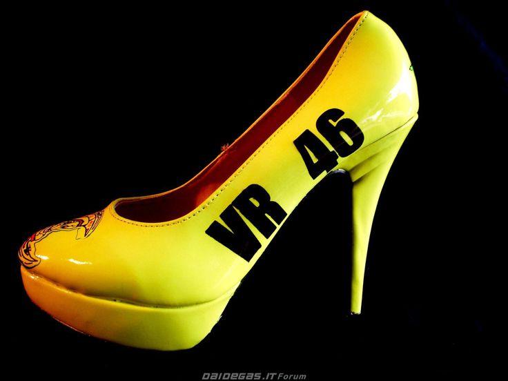VR46 High Heels shoes, http://www.daidegasforum.com/forum/foto-video/545058-scarpe-col-tacco-motociclistiche.html