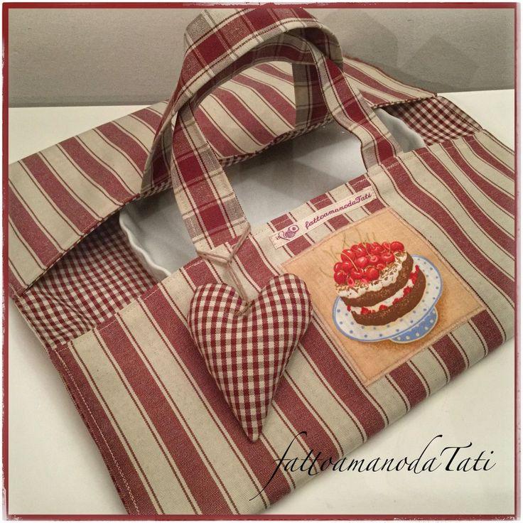 Porta torte in cotone a righe bordò con appliquè torta di ciliegie, by fattoamanodaTati, 22,00 € su misshobby.com