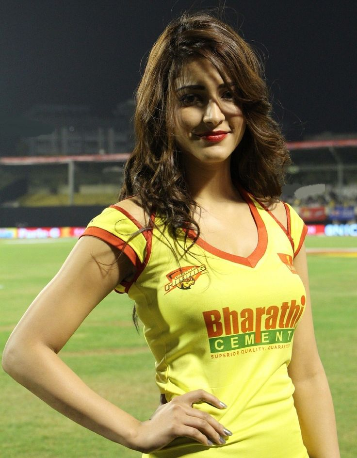 Shruthi Hassan Slim and Beautiful in Tank Top Spicy Pics during CCL Must See Beauty | 99share.in