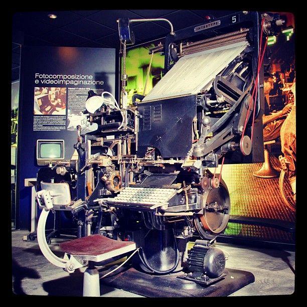 Linotype, la macchina per la composizione tipografica meccanica, usata a La Stampa dal 1899 al 1978