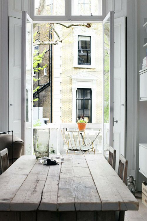 One day i'll have a flat/house where the dining room opens up on to a sun terrace.......