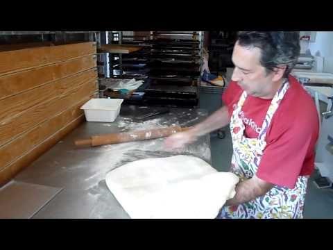 Come Fare i Cornetti dolci - Ricette Dolci e Cucina - Video Tutorial