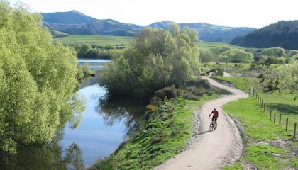 Clutha Gold Cycle Trail, Clutha River