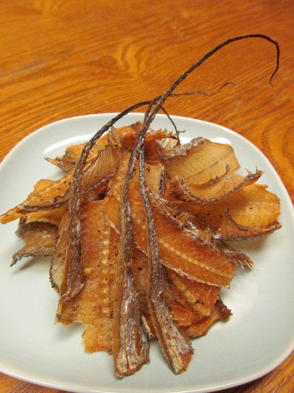 【旨魚料理】タチウオの骨せんべい:まるかつ水産 ~旬の旨い魚を自前調達~