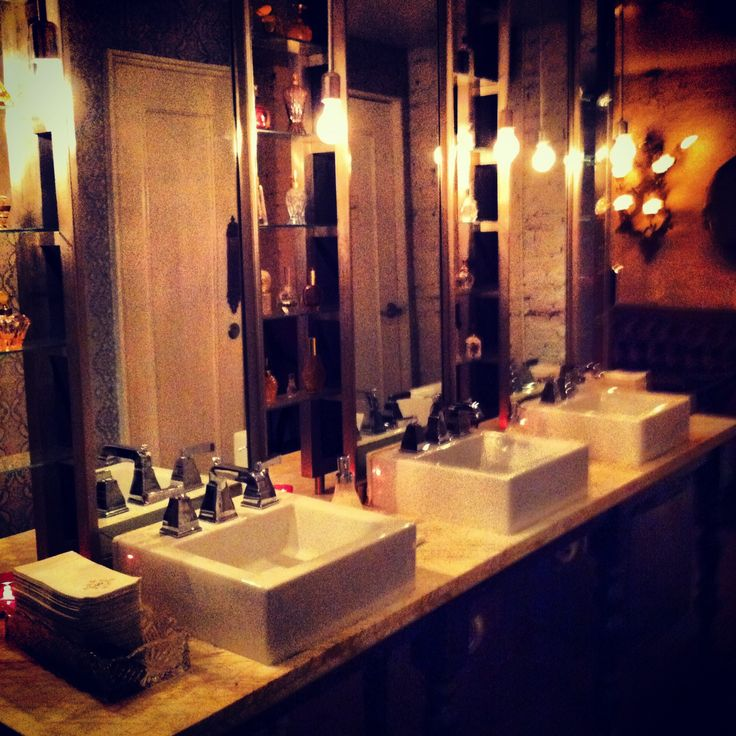 This is the Fabulous Beauty & Essex on in the lower West Side of New York. It is a must if your a fan of boozey brunches and fabulous cocktails. Review is on www.eatwelltravelfar.weebly.com #review #beauty&essex #brunch #cocktails #waffles #eggsbendict #drinks #champagne #eatwelltravelfarloveoften