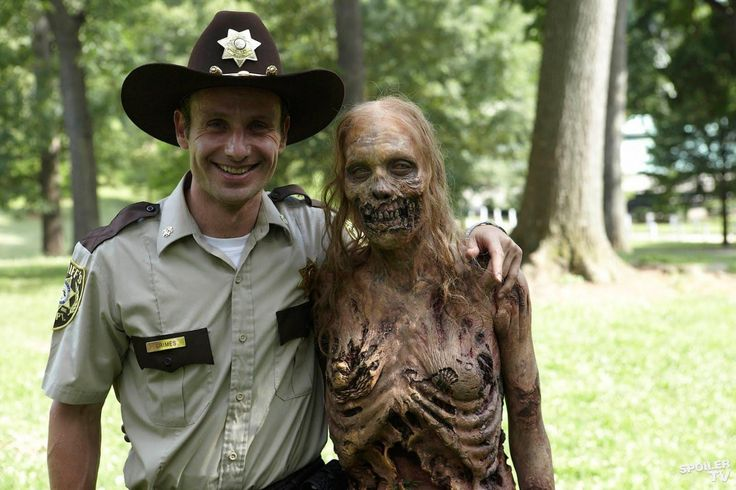 Andrew Lincoln And Zombie And Gael Anderson