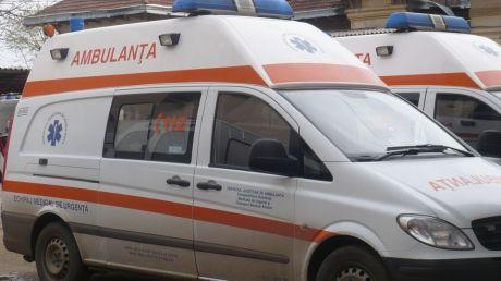Echipaj medical, atacat cu săbii şi cuţite în Vaslui. Șoferul și asistentul au fugit mâncând pământul