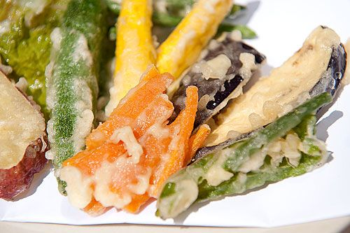 Vegetable Tempura Recipe & Posted by: Maki of Just Hungry My mother's tempura has always been terrific - crispy, light, and not greasy at all. So, taking advantage of her extended vacation here this year, I drilled her properly on how she makes tempura. http://www.justhungry.com/vegetable-tempura