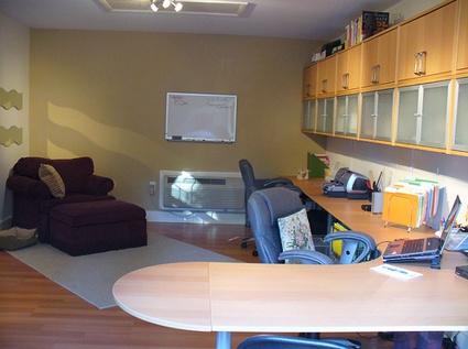 workspace of the week a garage transformation unclutterer - Ideen Fr Die Umwandlung Von Garage In Wohnraum