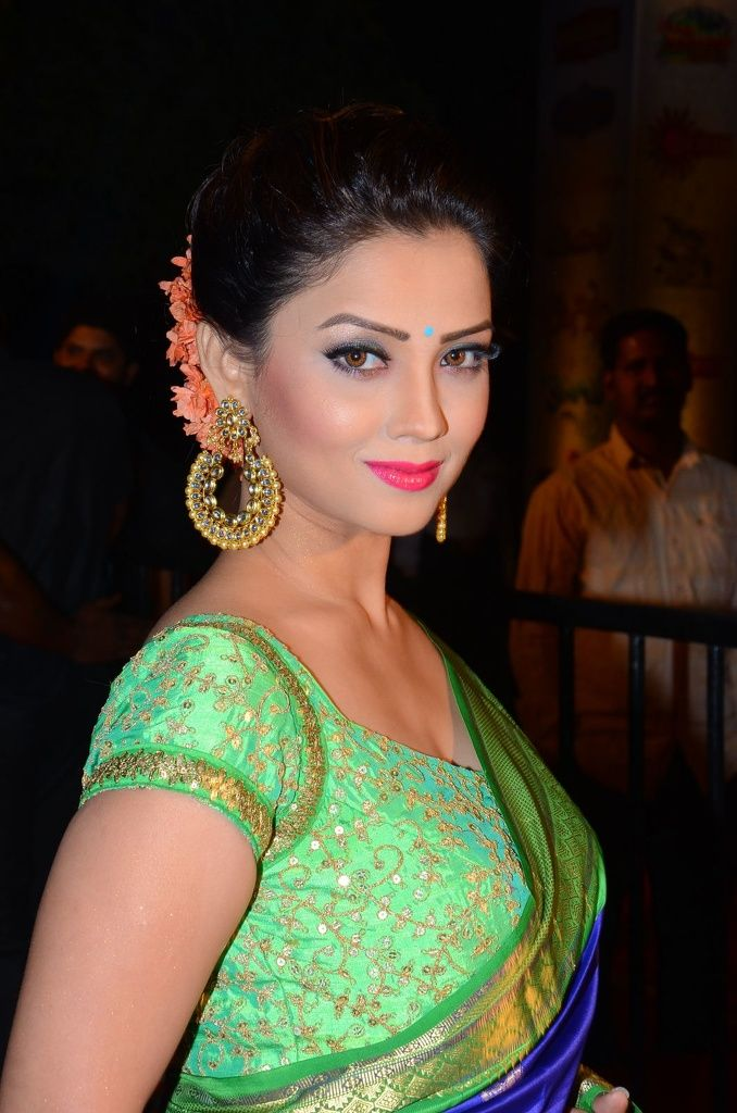 Adaa Khan Naagin Serial Unfist.com