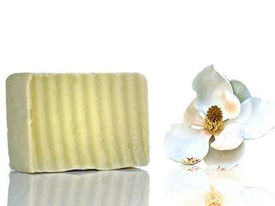 Magnolia scent soap Refreshes the skin and has a unique aroma that boosts libido.