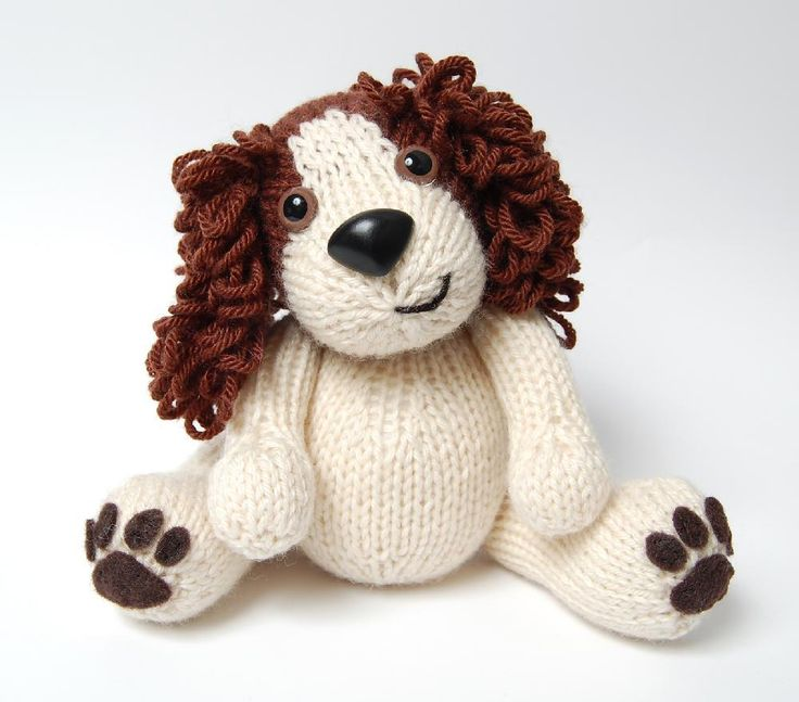 Editor's Choice: dog knitting pattern by Penny Connor, download at LoveKnitting