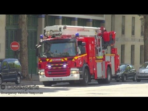 A hydraulic platform (articulating boom, snorkel) responding to an emergency from the Champerret fire station in Paris.