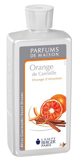 Parfum de maison Orange de Cannelle. La fraîcheur des agrumes associée à la chaleur des épices et des fruits confits, réchauffés par une note d'ambre et de sensuels muscs blancs.