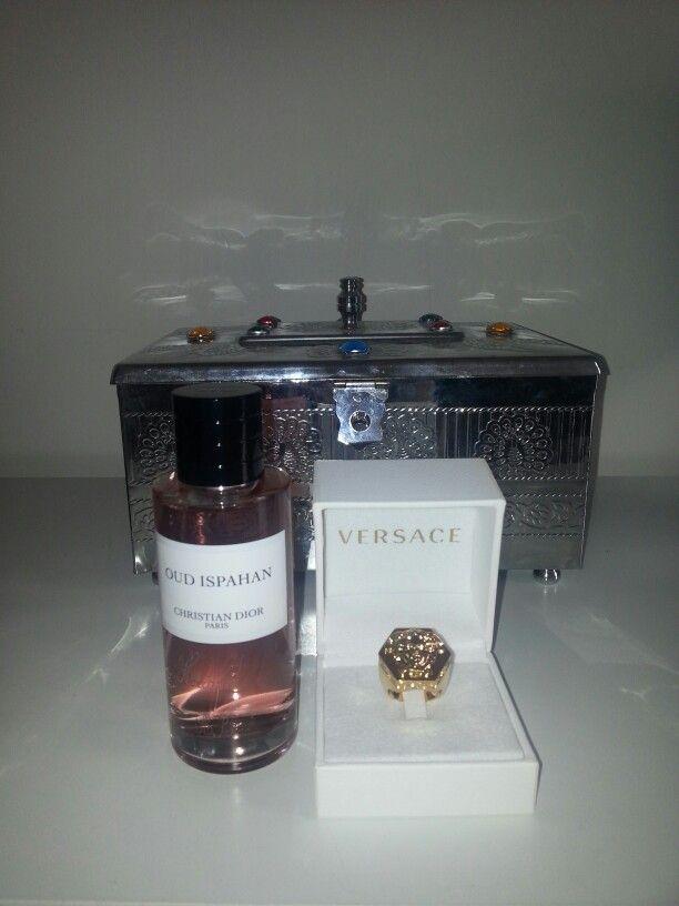 """Pour mon anniversaire une bague versace et un parfum mixte collection privée Dior  """" OUD ISPAHAN """" ... merci beaucoup mon AMI"""