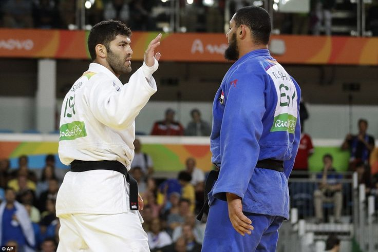 The Egyptian refused to take the hand of the Israeli who had defeated him in the first round at the Rio Olympics