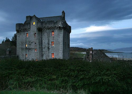 Saddell Castle was built by David Hamilton, Bishop of Argyll, between 1508–1512, with stones from the ruined Saddell Abbey. It's located on Kilbrannan Sound near Saddell, Kintyre, Argyll and Bute, Scotland.