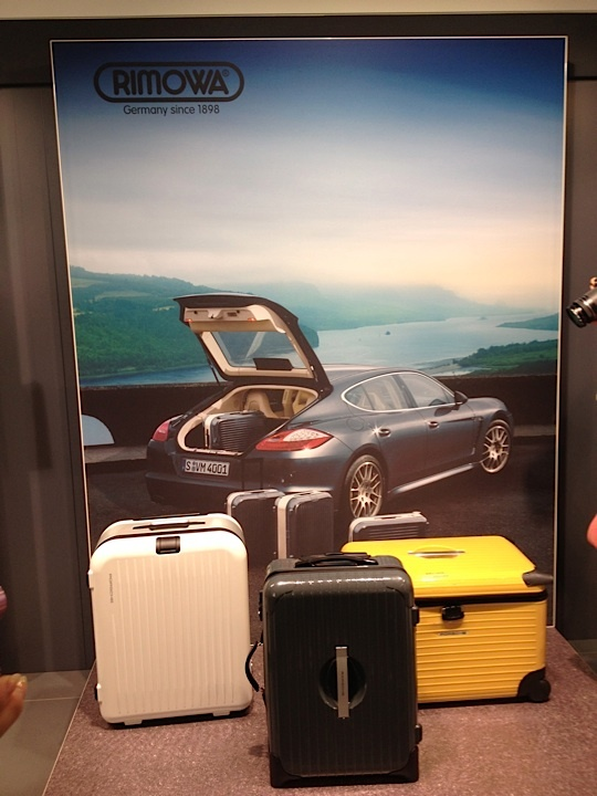 RIMOWA for Porsche <3 #rimowa #travel #porsche