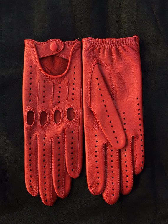 Ladies Driving Gloves Italian Lambskin unlined Red Sheepskin leather Women s Size 7 5 inches M Special driving gloves for ladies  available colours custom request color.  Condition: Brand new  Size : 75 inches ( S )  Material : 100% Italian l