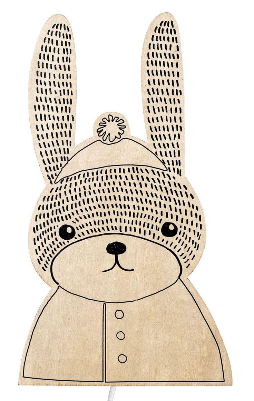 Lasten puinen yölamppu, joka on suloisen kanin muotoinen. Tämä upea lamppu luo kauniin ja miellyttävän valaistuksen lastenhuoneeseen ja sopii niin ilta- kuin yövaloksi. Turvallinen ja mukava kaveri lapselle yön pimeyteen!<br><br>Bloomingville seinälampun hehkulamppu on suojattu puulaatikolla, jotta pienet sormet eivät pääse käsiksi lamppuun. Tämä suloinen valaisin ripustetaan seinälle sen takana olevan koukun avulla.<br><br>Mitat: 20 x 39 cm.<br><br>Materiaali: Puu. <br><br>Teema…