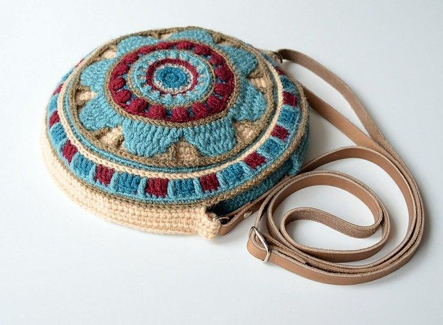 My favourite crochet bag patterns, totes Ipad bags, project bags anything you need
