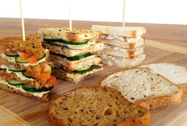 3x recept voor glutenvrije club sandwich, met omelet, hummus en zelfgemaakte tonijnsalade