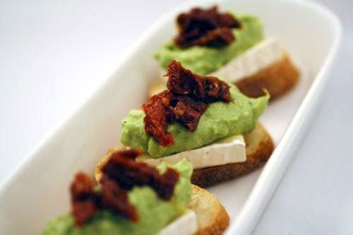 Good Eats: A Red and Green Appetizer