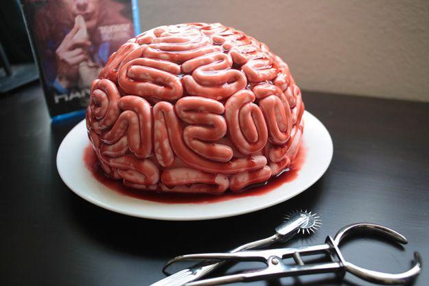 halloween cake brain