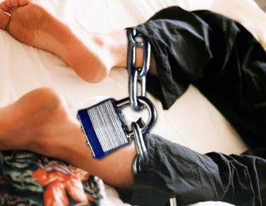 FIBROMIALGIA, SÍNDROME DE PIERNAS INQUIETAS... (VIDEOS) http://fibromialgiadolorinvisible.blogspot.com.ar/2012/11/fibromialgia-sindrome-de-piernas.html