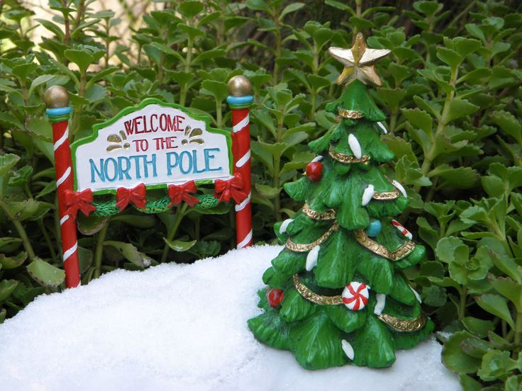 Miniature Dollhouse FAIRY GARDEN ~ North Pole CHRISTMAS Tree & Welcome Sign Pick in Home & Garden, Yard, Garden & Outdoor Living, Garden Décor | eBay