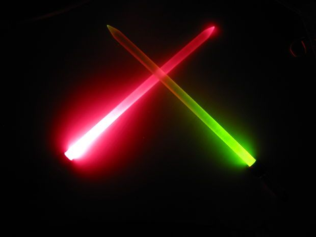 how to make your own lightsaber with a flashlight