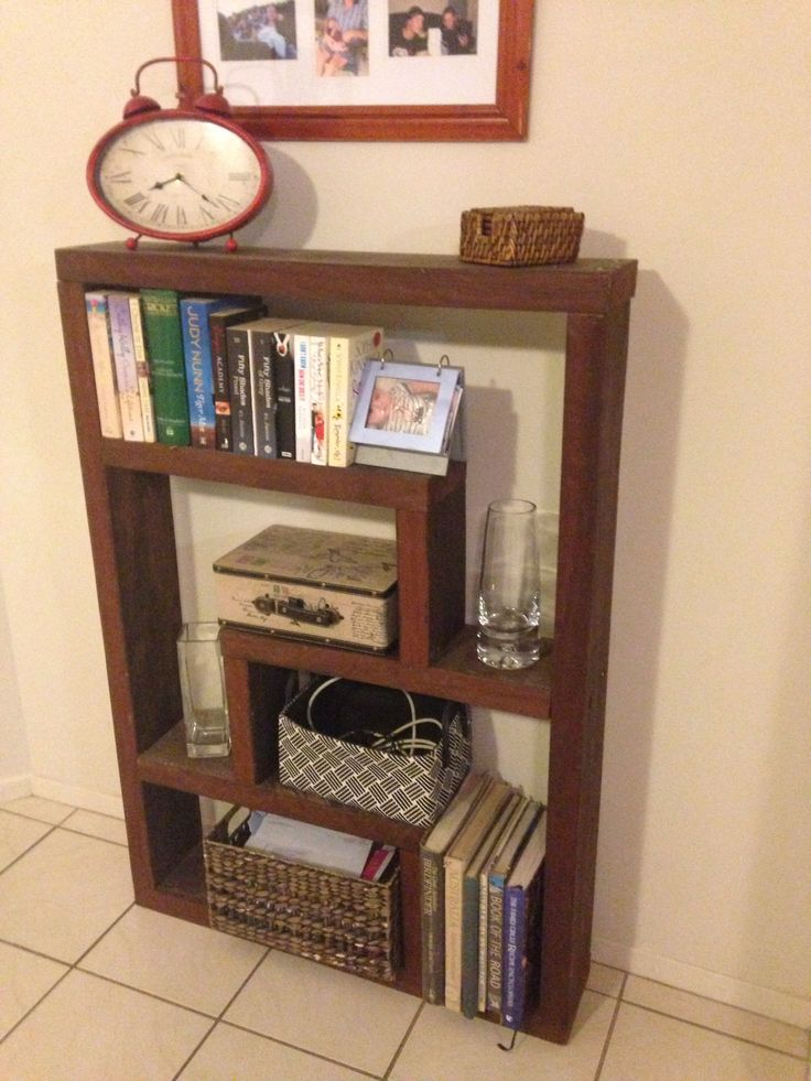 Book shelf ! Dad's old tank stand !