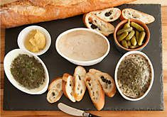 D'Artagnan: Gourmet specialty mousses including duck mousse basquaise and mousse truffee, buy gourmet food online.