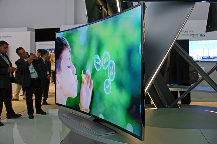 samsung debuts world's first curved UHD TV at CES - designboom | architecture & design magazine