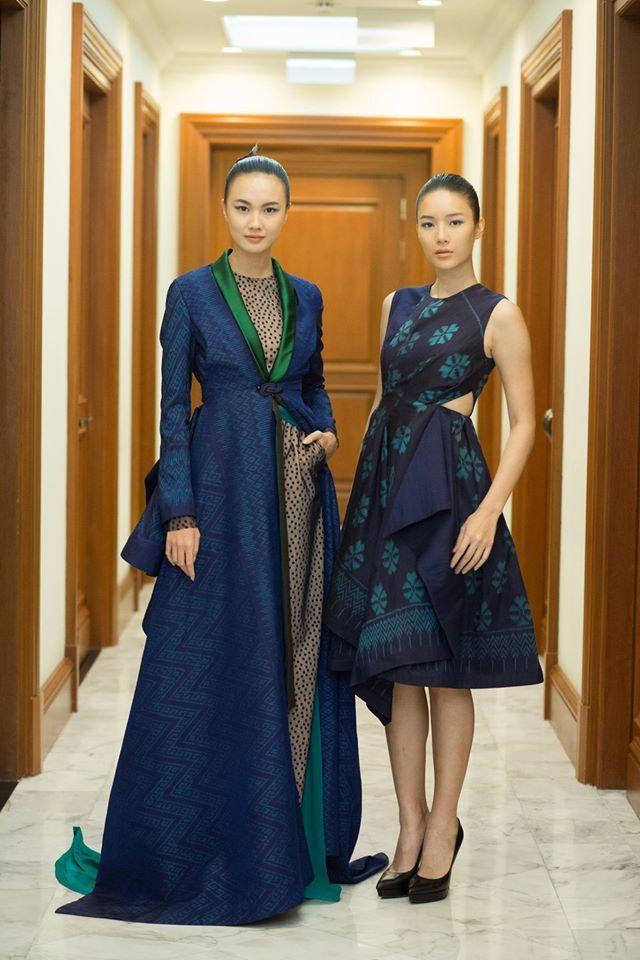 "Sanchai QSMT Celebration การแสดงแฟชั่นโชว์จากผ้าไทยโดย 6 นักออกแบบชุดผ้าไทย ได้แก่ Wisharawish, Sanchai, REAL, HOOK's by PRAPAKAS, CHAIGOLDLABEL และT-RA ในคอนเซปต์ ""ผ้าไทยในโลกแฟชั่น"""