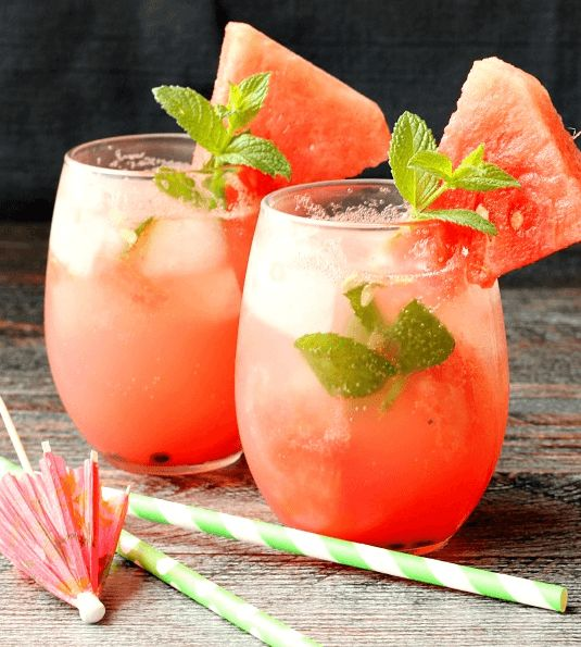 6 Sexy Aphrodisiac Cocktails To Mix Up & Toss Back On Date Night