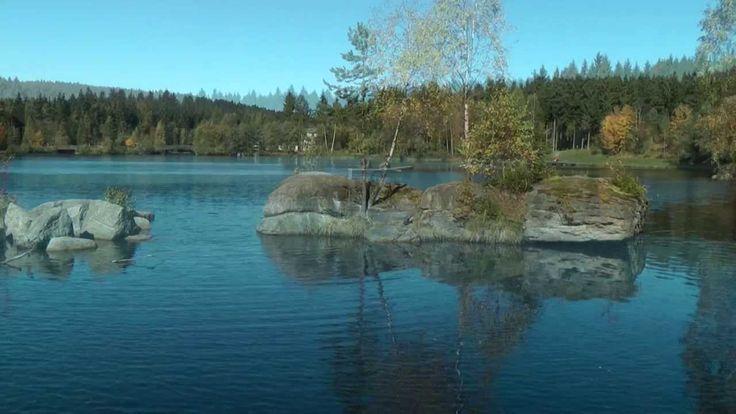 Wanderziel der Fichtelsee im Naturpark Fichtelgebirge Urlaubsregion Oberfranken