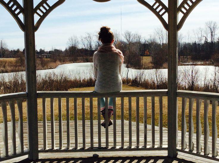 I like to sit on fences